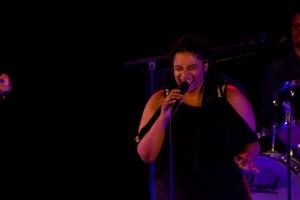 Dina-zingt-300x200