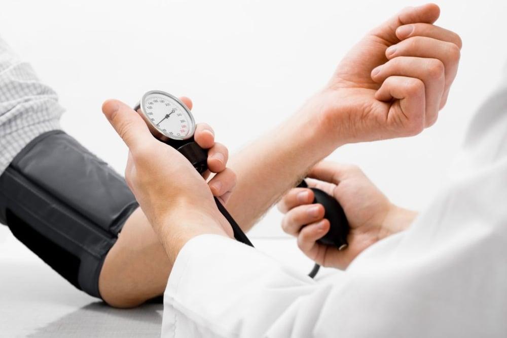 hoge-bloeddruk-meten-1024x685