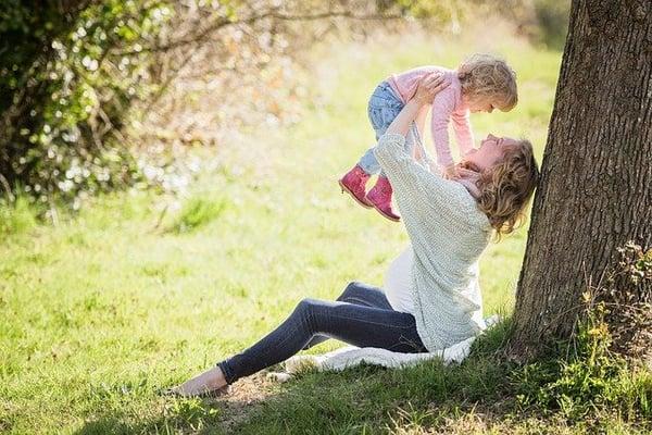 Na de bevalling is moeder toe aan het ontzwangeren